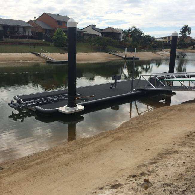 Dry Berth Pontoon with Roller System