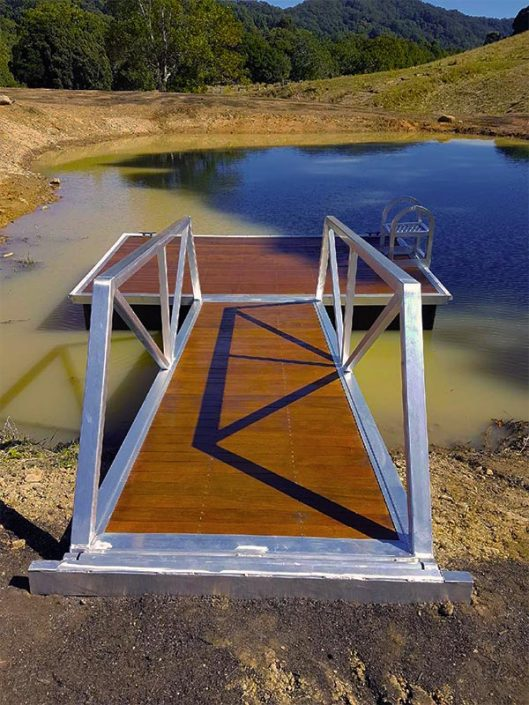 aqua pontoons light weight Dam wood deck